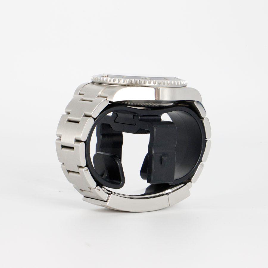 Le Movement- swiss made sculptural watch winder clock, design by Julien Bonzom, French designer
