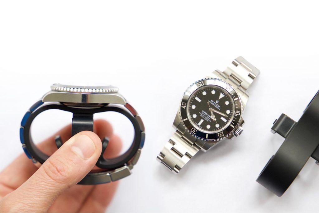 Rolex submariner on a APK cylinder watch winder - swiss made
